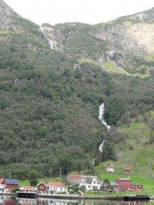 2014 Norwegen 9 Landschaft am Fjord4